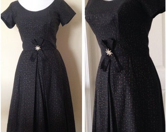 Vintage 1950s 1960s Women's Fit and Flare Party Dress Black Size 6