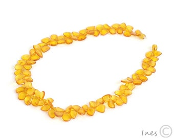 Baltic Amber Honey Necklace Made of Amber Leaves