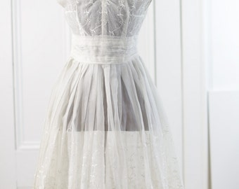 50s 60s Embroidered White Dress. SM. // Silk Organza, Sheer White. // Sleeveless. Fitted Bodice. Knee length. AB Buttons. -  Bridal Wedding