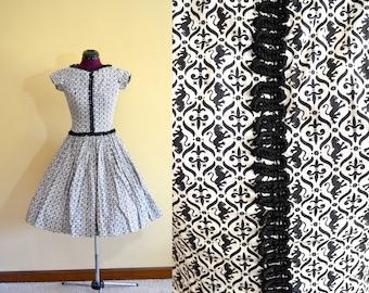1950s Vintage Sue Mason Jr by Saba of California Lion Rampant and Fleur de Lis Dress size XS bust 32