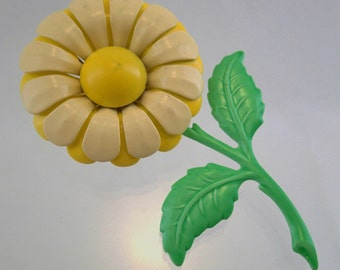 FREE Shipping Vintage flower Power Enamel Yellow Pastel and Mint Green Pin Brooch Daisy 1960s