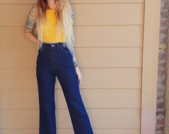 90's Vintage LEE Dark Blue Denim High Waisted Cropped Mom Jeans // Women's size Small S XS X S 25