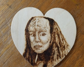 K'Ehleyr Loves You (she only LIKE likes Worf)