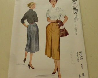 Vintage McCall's Pattern 9553 Misses Skirt with Pockets Waist Size 26 Inches