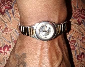 Ladies Watch It Brand Wristwatch   Quartz