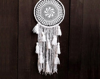 White dreamcatcher, wall hanging, crochet doily, large, long, handmade, snowfall, doily dream catcher, wedding, boho, bedroom, wall decor