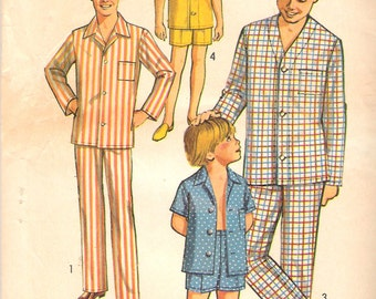 """Vintage 1970 Simplicity 8860 Boys' Pajamas in Two Lengths Sewing Pattern Size 4 Chest 23"""""""