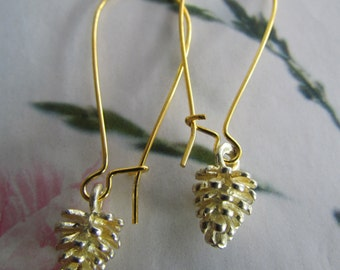 POMME DE PIN earrings