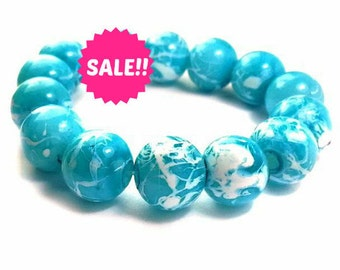 20 White and Blue Beads - 10mm Beads - Round Glass Beads