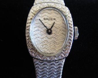 Retro Gruen Quartz  Watch - Working Ladies Gruen Fashion Watch - Swiss Made Woman's Silver Gruen Watch - Elegant Vintage Ladie's Gruen Watch
