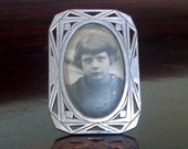 French Art Deco Antique Photo Picture Frame in Good Condition with Original Glass and Posing Leg - Amazing Deco Details