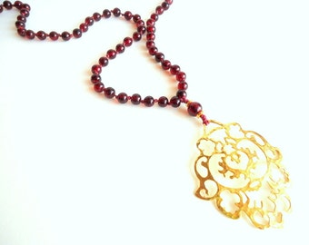 Dark Red Necklace, Gold pendant necklace, Rosary necklace, Wine Red necklace, boho necklace, winter trends 2017, arabesque necklace