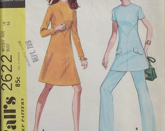 Vintage 1970 McCalls Dress And Pantsuit Pattern With Sleeve And Collar Options