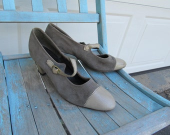 1980s vintage Mary Jane oxfords, gray suede and leather with block heel, 6 narrow