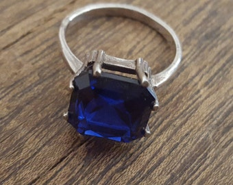 Vintage Sterling Silver & Cobalt Blue Ring