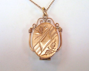 "Antique Gold Locket - Gold Filled Keepsake Locket Necklace with 19"" Gold Filled Chain"