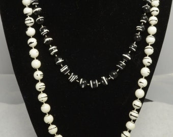 Black and White Bead Necklace Set
