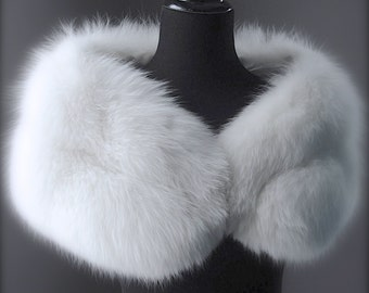 Ultimate Luxury Gift Or Bridal Wedding Accessory/Breathtaking Hollywood Starlet Arctic White Fox Fur Wrap/Vintage Stole Cape Shrug Boa