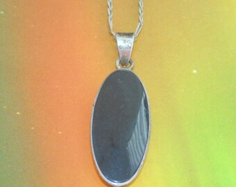 P56  Vintage Estate Sterling Silver Figaro Chain Necklace Large Oval Jet Black Glass Pendant 925 7 grams Jewelry Jewellery