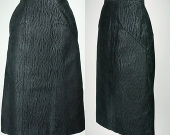 1980s leather skirt, black high waist pencil skirt w subtle texture, rocker, new wave edgy skirt, Pelle Cuir Small, XS