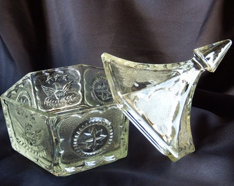 1980s Vintage // Tiara Exclusives  // Indiana Glass // Candy Dish w/ Lid // Crystal // Colonial Eagle // Stars // Clear // Hexagon