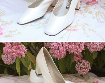 "Pumps/shoes, vintage leather, white, made in Spain, ""Career"" brand, size 36, wedding / party / ceremony"