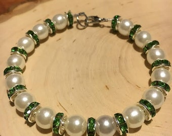 Pearl Beaded Bracelet w/ Green Rhinestone Accent Beads