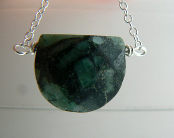 Moon Emerald pendant- Emerald gemstone necklace-Boho moon green stone pendant sterling silver chain-Chic women moon necklace
