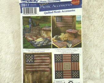 July 4 Picnic Quilted Accessories Pattern, Simplicity 5977 Crafts, Shirley Botsford Designs, Placemat, Wall Hanging, Bag, Napkin, 2002 Uncut
