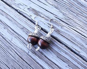 Acorn beaded earrings - Nature Earrings - Minimalist nature earrings - Acorn Earrings - Druid Earrings - Forest Earrings - Pagan Earrings