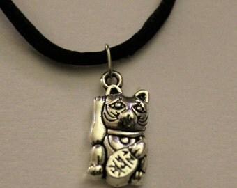 Maneki-neko / Lucky cat necklace