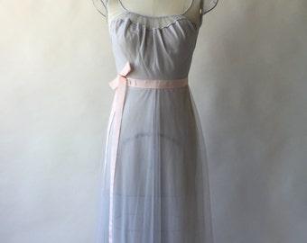 VANITY FAIR dove grey illusion bodice chiffon nightdress / XS / S