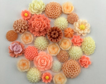 30 flower cabochon flower mix , red color,11mm to 24mm #FL126-1