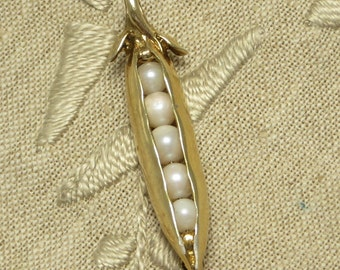 Vintage MFA Museum of fine arts Boston replica Sterling silver gold plate genuine cultured pearl pea pod pin brooch or pendant