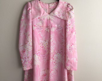 Darling 1970's Pink Collared Dress