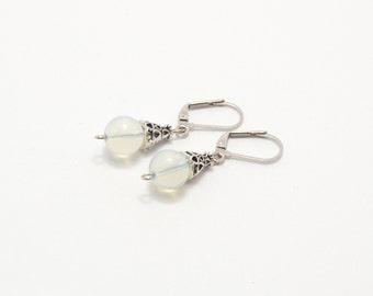 Moonstone earrings, stone earrings, beaded earrings, natural stone earrings, semi precious stones, stone jewelry, beaded jewelry