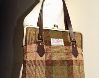 Harris Tweed Kisslock Handbag with Leather Handles