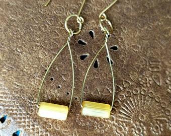 Yellow Geometric Hoop Earrings Handmade, Thin Gold Hoop Earrings, Modern Minimal Jewelry, Citrine Beaded Trapeze Style Earrings, Oval Wire
