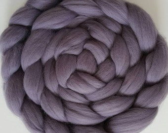 Extra Fine Merino Wool Roving / Combed Top / Wool Braid in Fog (DHG) - 4 ounces