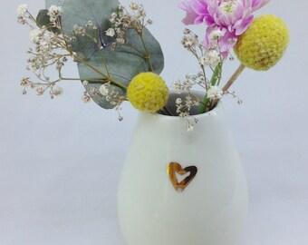 Ceramic vase | Hand painted with gold lustre | Wheel Thrown | Bud vase | Porcelain | Heart | Flower vase