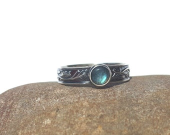 Sterling Silver 925 Patterned Ring with Labradorite Cabochon - Choice of Antique Patina or Shiny Silver Finish - Made-to Order