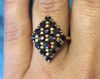 Large Vintage 18K Yellow Gold 3.4 CTW GARNET Diamond Shaped Art Deco Ring Sz 7
