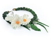 Felt daisy necklace - felted necklace with daisies - plaited necklace with white flowers - flower neck jewelry - floral wool necklace [N21]
