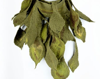 Green felt scarf with leaves - long unisex scarf in woodland style - leafage scarf - wool leaf scarf - neck decoration - foliage scarf [S18]