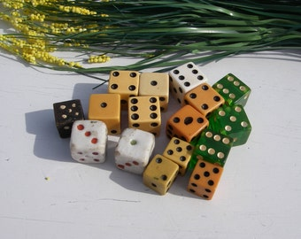 Vintage Dice, Lot of 16 Bakelite Milk Glass and Wood Dice, Vintage Game Pieces, Butterscotch Bakelite, Jewelry Craft Supplies