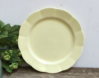 """Vintage Plate Yellow Scalloped Edge 9"""" Dinner Plate Antique Cottage Chic Farmhouse Pastel"""
