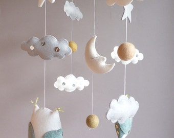 Good Night Mobile - White Owl mobile - Wool Felt mobile - Baby crib mobile - Woodland Nursery