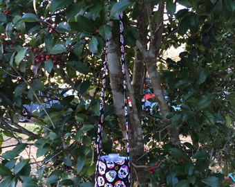 Skulls Water Bottle Carrier, Water Bottle Holder, Water Bottle Cozy