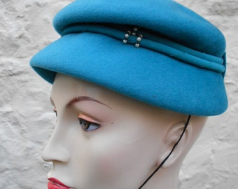 Vintage Teal Bermona Hat Late 1940s Felt Sculpted Womens Hat Pearl and Grosgrain Bow Detail Re-enactment Vintage Wedding Free Size