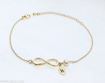 Bridesmaid gift set of 5 4 3 Gold infinity bracelet set of 6 7 8 9 10 Initial Personalized bracelet with pearl, Gold infinity bracelet pearl